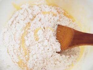小麦粉を加える